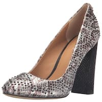 Calvin Klein Womens junie Closed Toe Classic Pumps