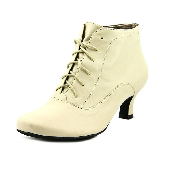 Array Sam Women W Round Toe Leather White Bootie