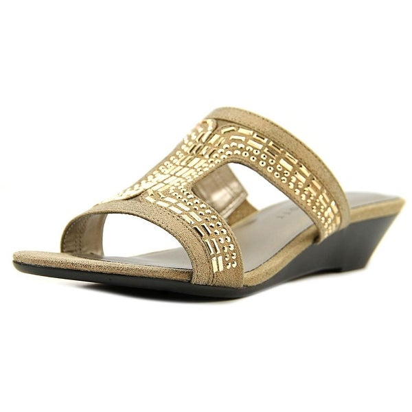 Karen Scott Seryne Women Champagne Sandals