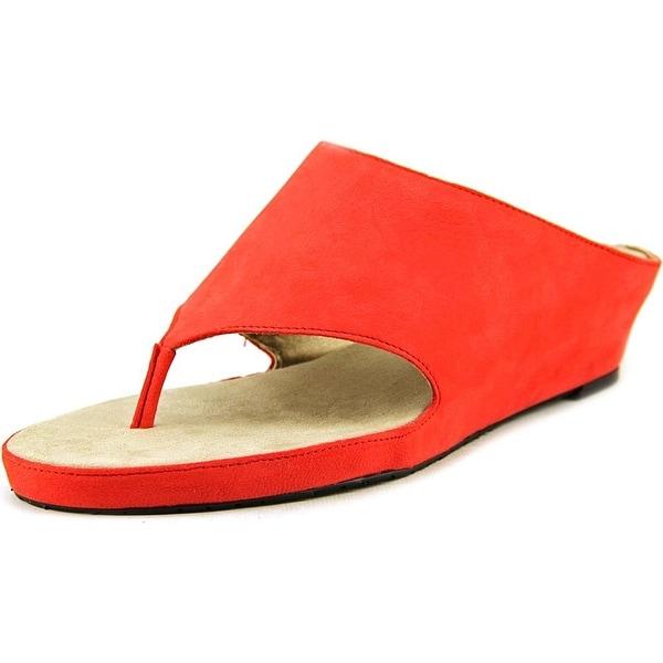 Tahari Women's Mindy Thong Strap Wedge Sandal