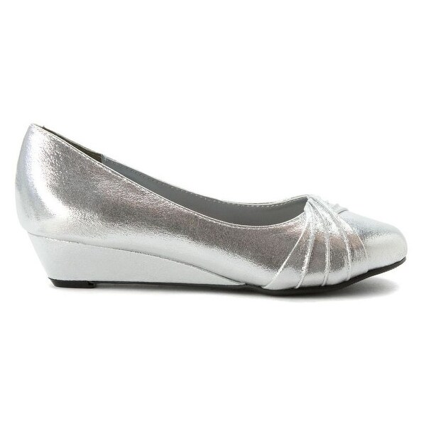 Pleated Metallic Low Wedge