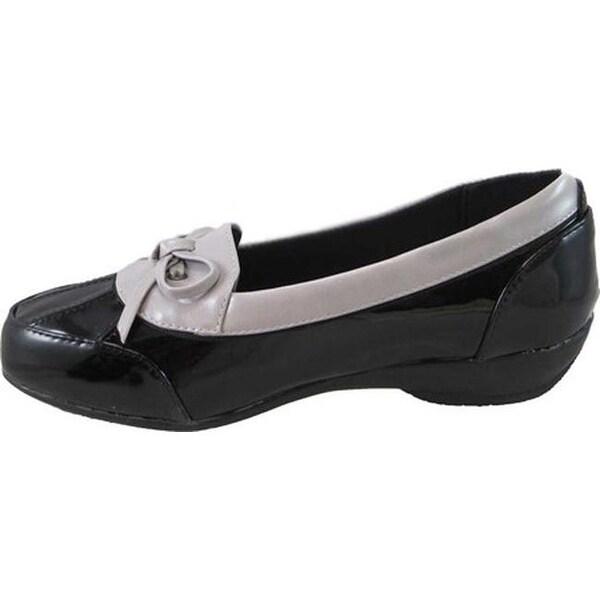 Beacon Shoes Women's Rainy Black Patent