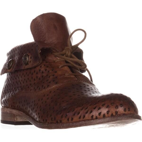 Patricia Nash Sabrina Ankle Boots, Tan/Perf