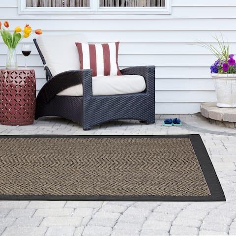 Madison Park Hurley Natural/ Black Textured Chevron Indoor/Outdoor Rug