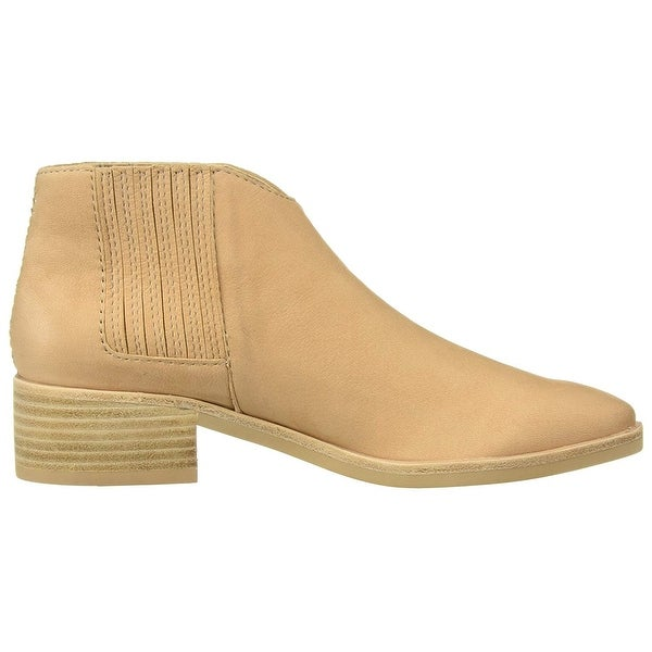 Dolce Vita Womens Towne Almond Toe