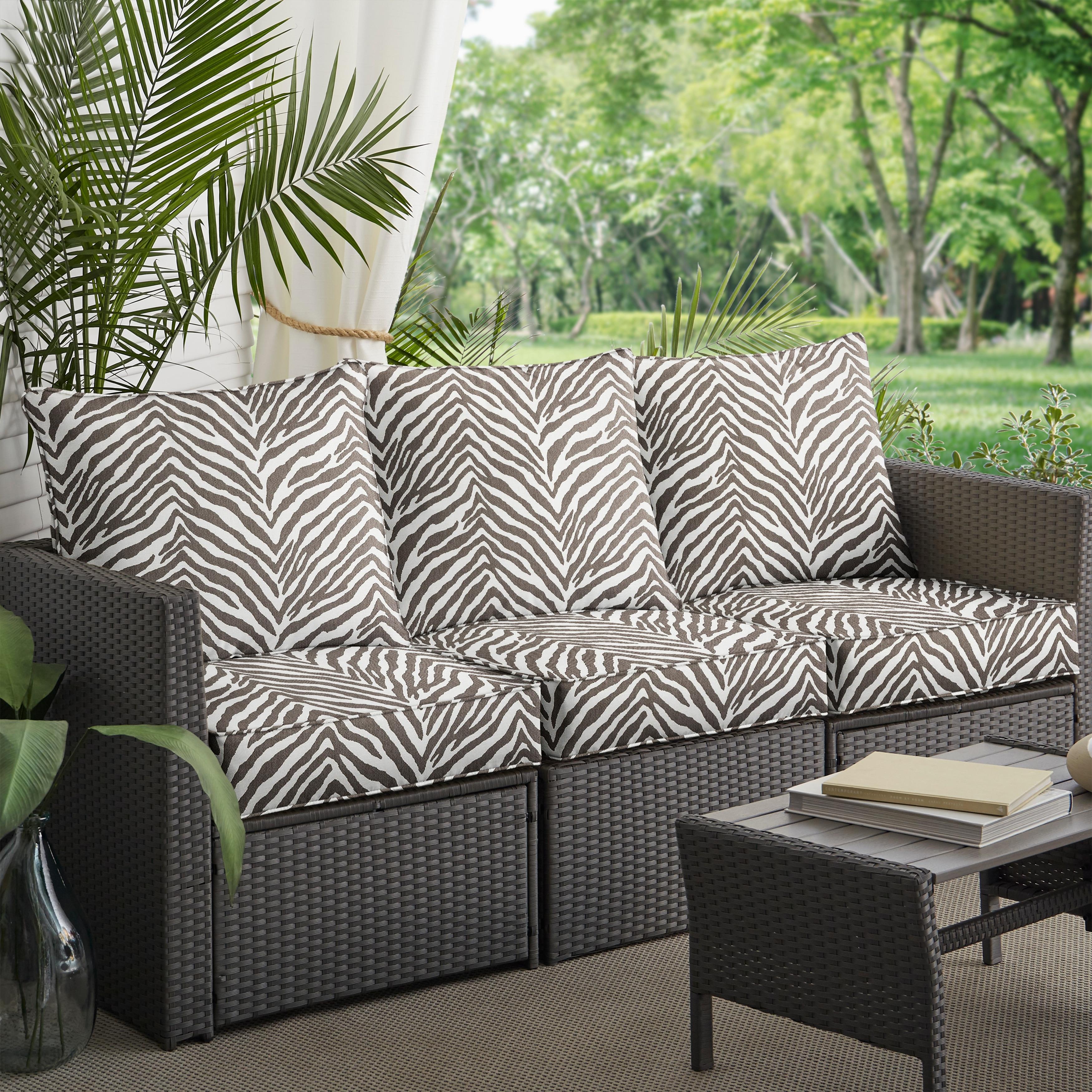 """Sunbrella Grey Zebra Indoor/Outdoor Deep Seating Sofa Set, Corded - 23"""" X 25"""" X 5"""" - Overstock - 31285659"""