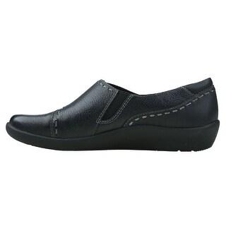 EARTH ORIGINS Womens Leona Leather Closed Toe Loafers