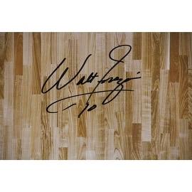 Walt Frazier Signed Hardwood Floor 20x32 Photo ()
