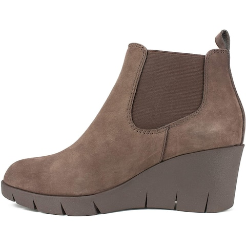 Cliffs by White Mountain Women's Shoes Percy Leather Closed Toe Ankle Chelsea Boots