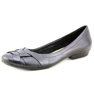 Naturalizer Maude Round Toe Leather Flats
