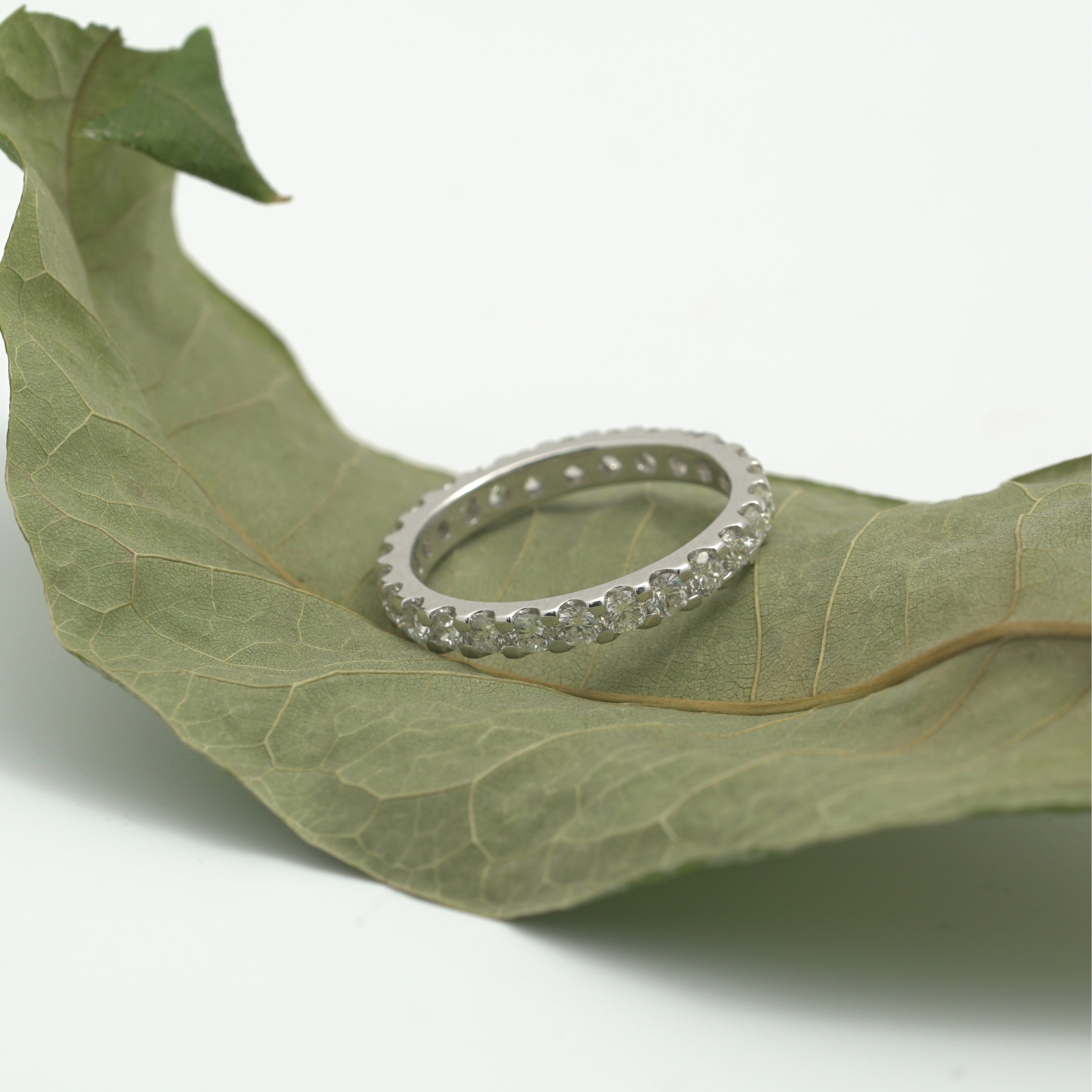 14K White Gold 1.40 cttw. Round Cut Shared Prong Diamond Eternity Wedding Ring HI,SI1-2 - Thumbnail 0
