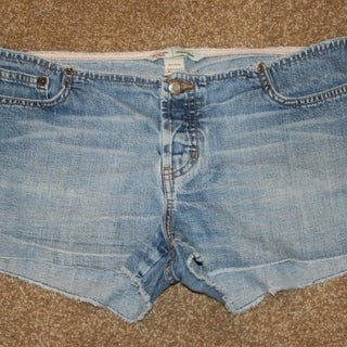 """ABERCROMBIE & FITCH 6 Blue Jean Shorts Waist 32"""" Button Fly Womens A&F"""