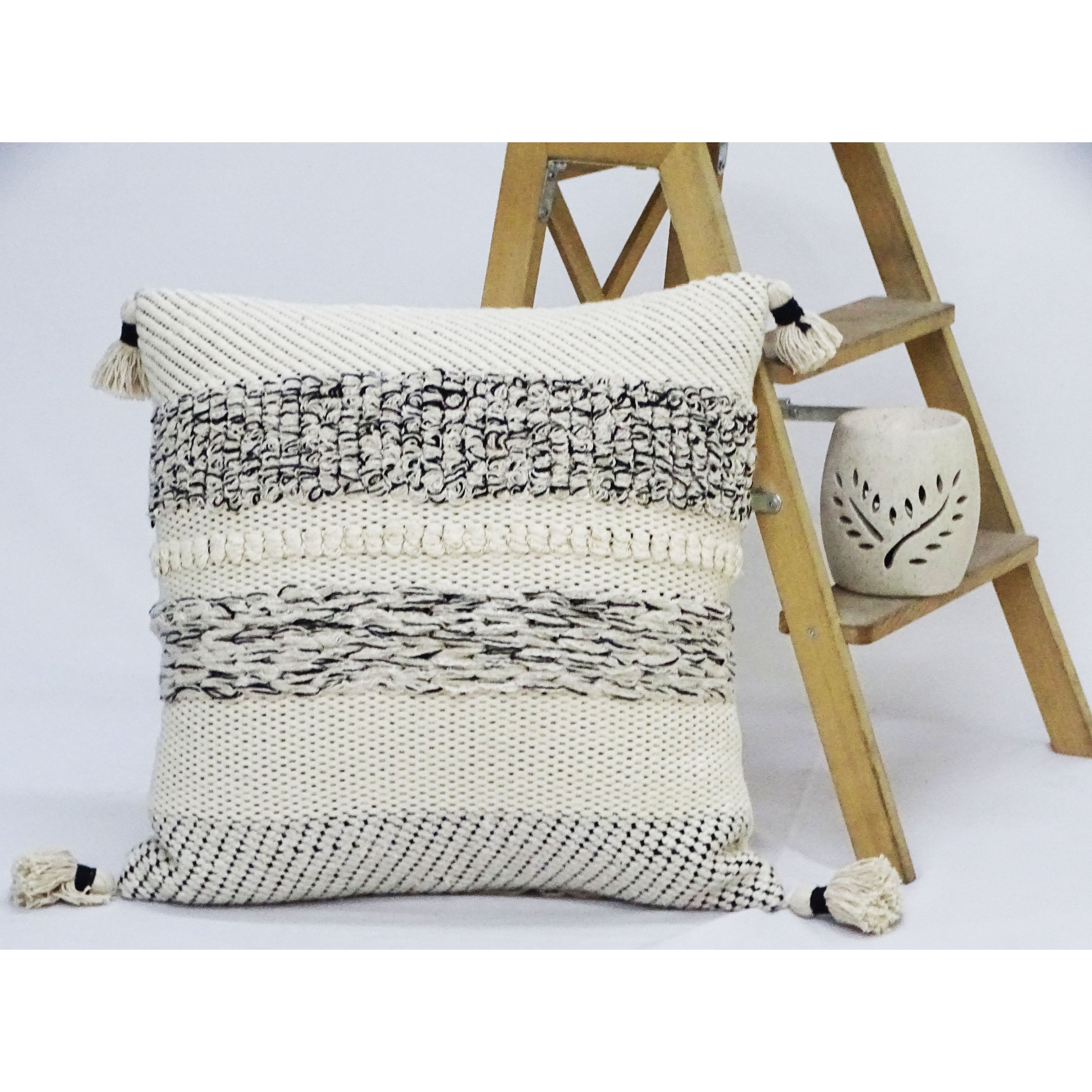 Chicos Home 22 X 22 Throw Pillow For Couch With Tassels Overstock 32731416