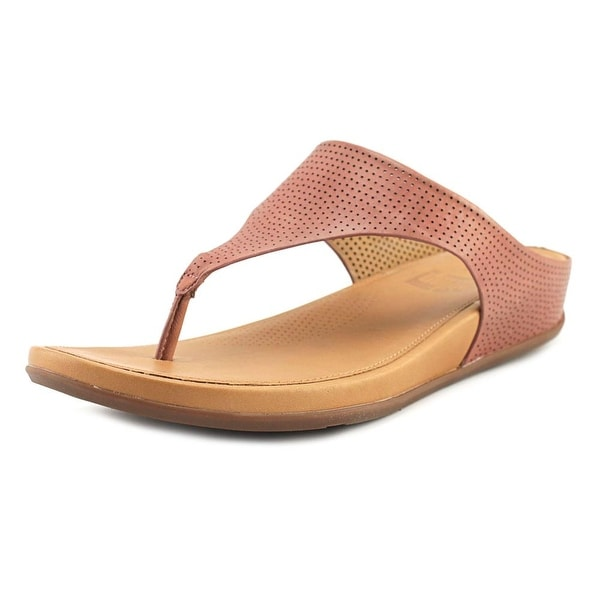 931e0907bde5 Shop FitFlop Banda Women Open Toe Leather Thong Sandal - Free Shipping  Today - Overstock - 19223776