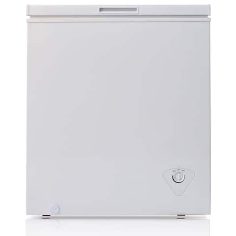 """Arctic King BWC1047 29"""" Wide 5.0 Cu. Ft. Chest Freezer with Removable Storage Basket - - White"""