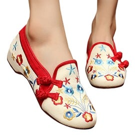 Starry Old Beijing Embroidered Cloth Shoes beige