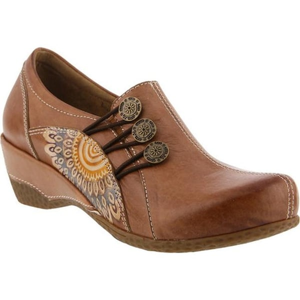 L'Artiste by Spring Step Women's Agacia Closed-Back Clog Tan Leather