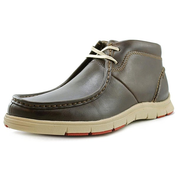 Clarks Milloy Mid Round Toe Leather Chukka Boot