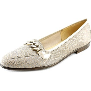 Amalfi By Rangoni Oste Pointed Toe Suede Loafer