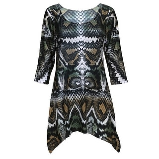 Women's Tunic Top - Snakeskin Printed 3/4 Sleeve Sharkbite Hem Shirt