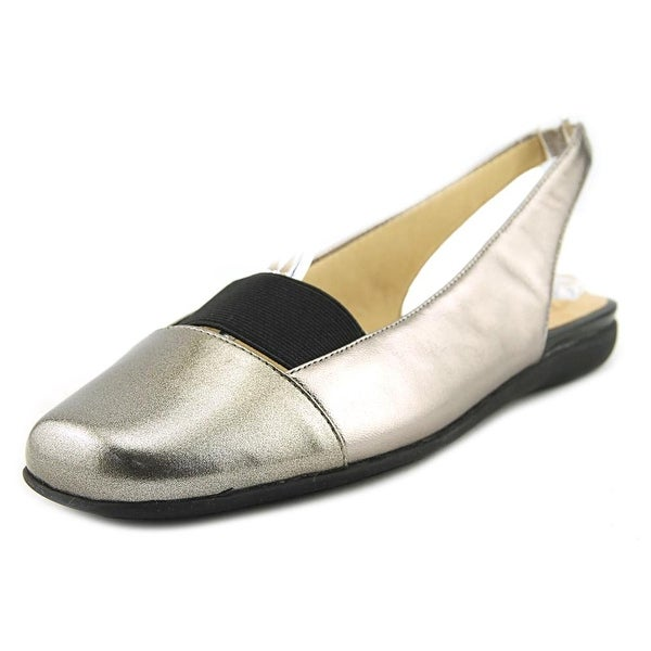 Trotters Sarina Pewter Pumps