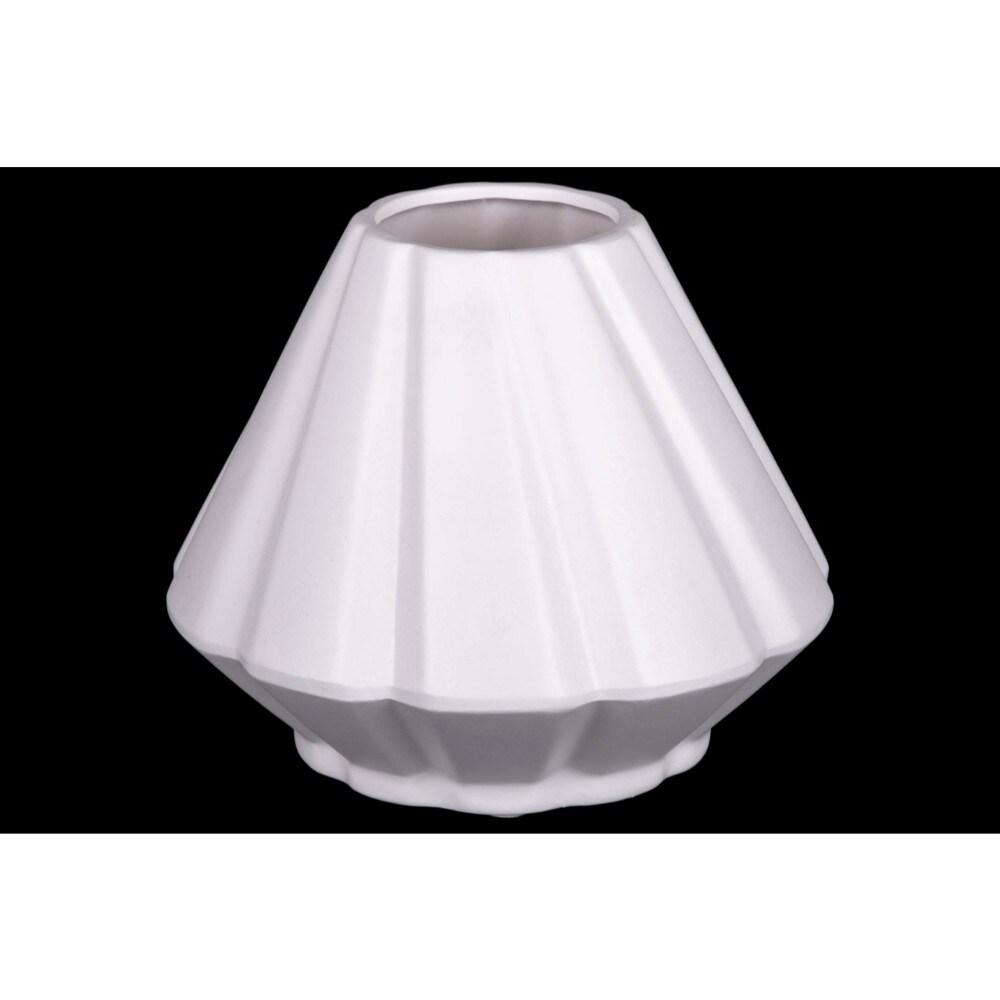 Ceramic Round Vase With Diagonal Ridges, White