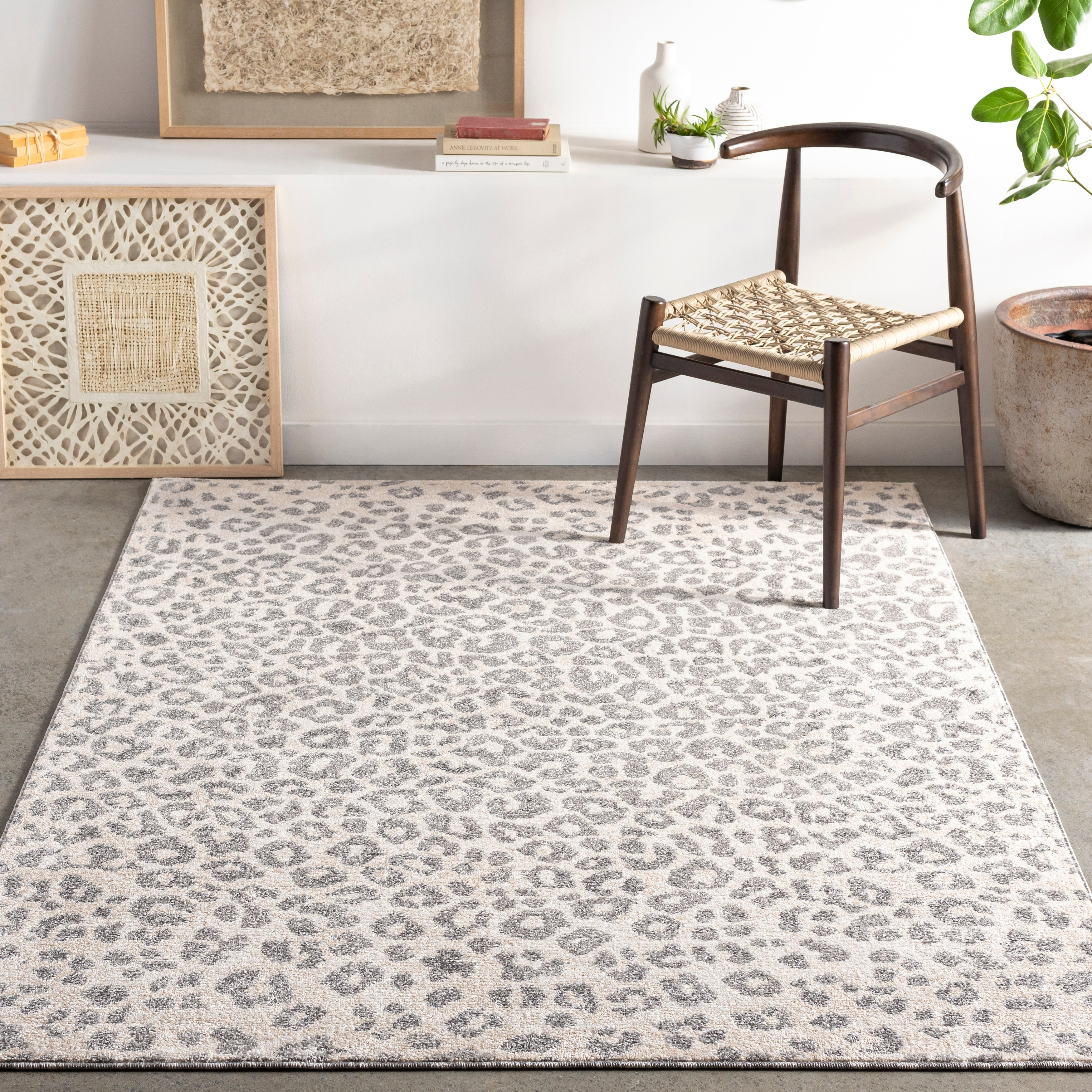Moodie Modern Leopard Print Area Rug Overstock 31317349