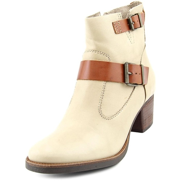Matisse Hopper Round Toe Leather Ankle Boot
