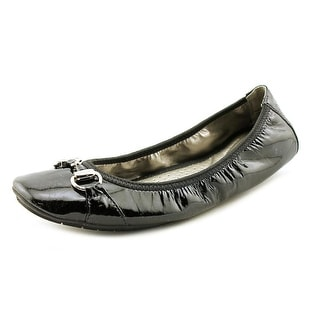 Me Too Legend 2 Round Toe Patent Leather Ballet Flats