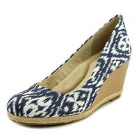 Giani Bernini Womens Ozara Closed Toe Wedge Pumps