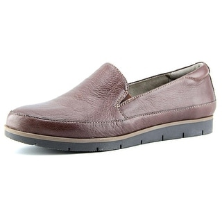 Naturalizer Intrigue N/S Round Toe Leather Loafer