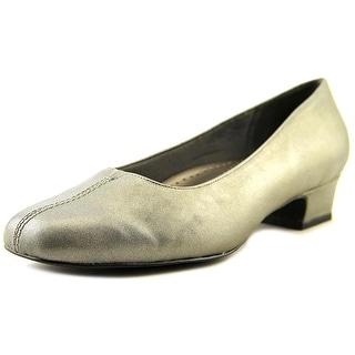 Trotters Doris N/S Square Toe Leather Heels