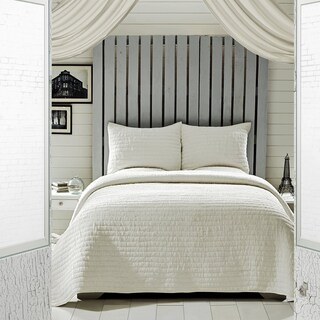 VHC Brands Rochelle Creme Queen Set; 1-Quilt 90x90 w/2 Shams 21x27
