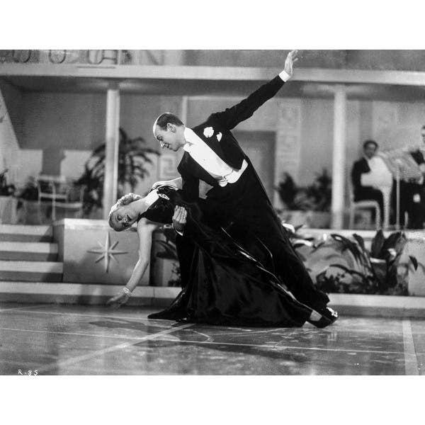Shop Fred Astaire And Ginger Rogers Dancing In Black Dress And Black Tuxedo With Audience Watching Photo Print Overstock 25386952