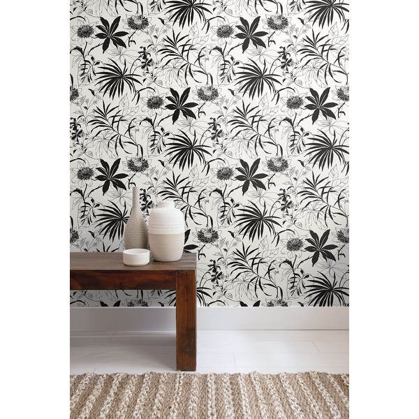 Shop Poway Tropical Garden 18 X 20 5 Peel Stick Wallpaper Roll Overstock 32161917