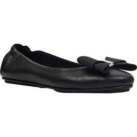 Bandolino Women's Faudoa Bow Flat Black Super Soft Faux Patent