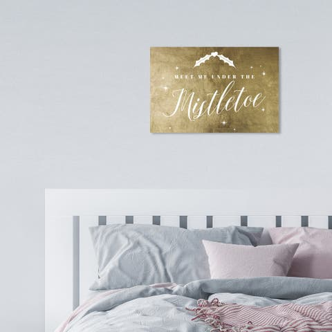 Oliver Gal 'Under the Mistletoe Gold' Holiday Gold Wall Art