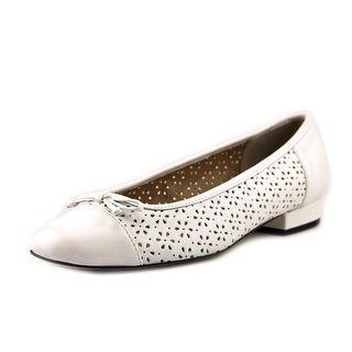 Vaneli Farro Women N/S Round Toe Leather Flats