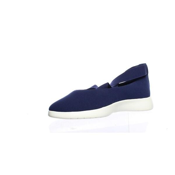 Taryn Rose Womens Danielle Lux Stretch Sneaker