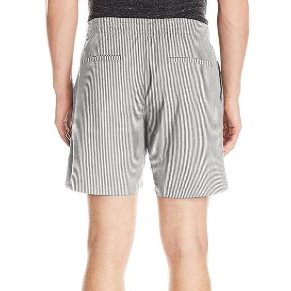 seersucker shorts outfit men