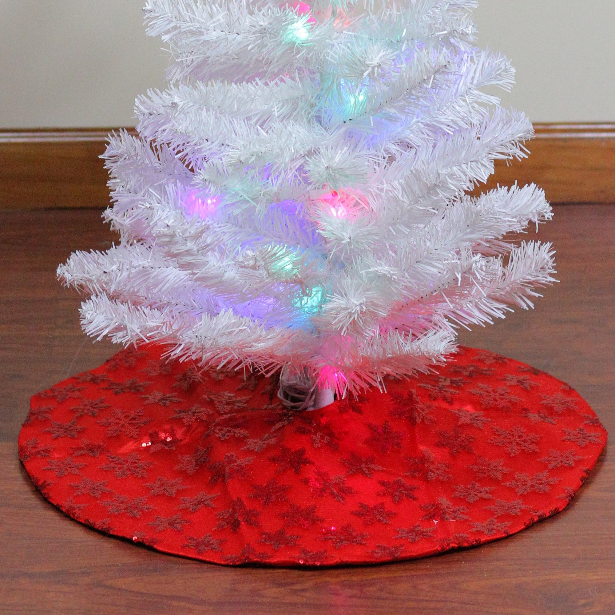20 Red Sequin Snowflake Pattern Mini Christmas Tree Skirt Overstock 16545937