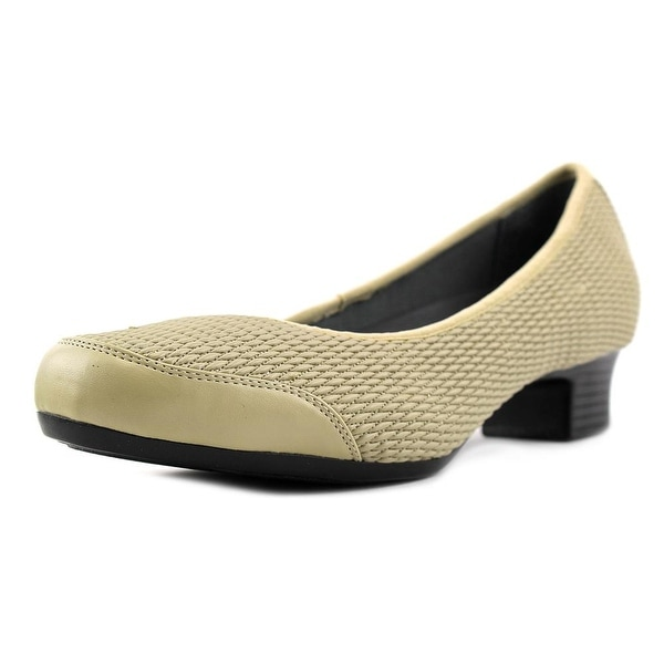 FootSmart Gina W Round Toe Synthetic Heels