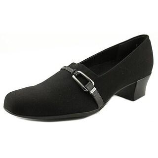 Munro American Cindi SS Round Toe Synthetic Heels