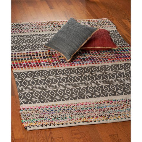 LR Home Vogue Geometric Chindi Area Rug