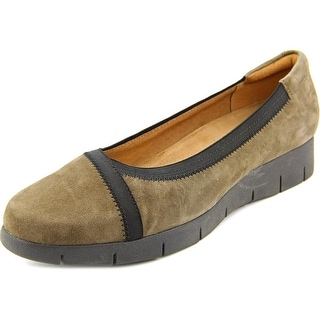 Clarks Daelyn Hill Women W Round Toe Suede Gray Loafer
