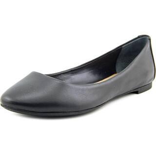 Alfani Gessey Women Round Toe Leather Black Flats|https://ak1.ostkcdn.com/images/products/is/images/direct/7b9f54cece95bd28006455b69eaa0b07f55dbad7/Alfani-Gessey-Women-Round-Toe-Leather-Flats.jpg?impolicy=medium