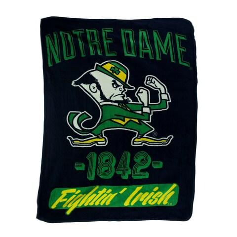 Retro Notre Dame Plush Micro Raschel Throw Blanket - Black