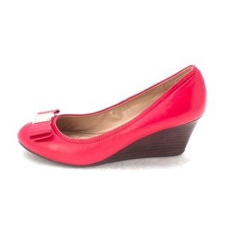 Cole Haan Womens 14A4337 Closed Toe Wedge Pumps Tango Red Size 6.0