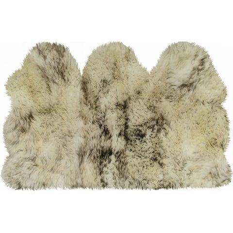 "3' x 5' Natural Sheepskin Area Rug - 2.5""H x 36""W x 60""D"