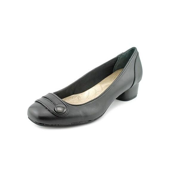 Giani Bernini Valee Women  Round Toe Leather Black Heels